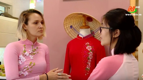 Văn hóa và đời sống: Tôn vinh áo dài Việt Nam