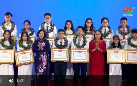 Ninh Bình trao thưởng Quỹ Khuyến học khuyến tài Đinh Bộ Lĩnh năm 2020
