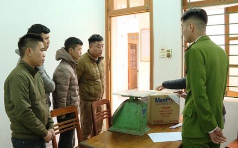 Ninh Bình: Tạm giữ đối tượng đốt pháo nổ trái phép