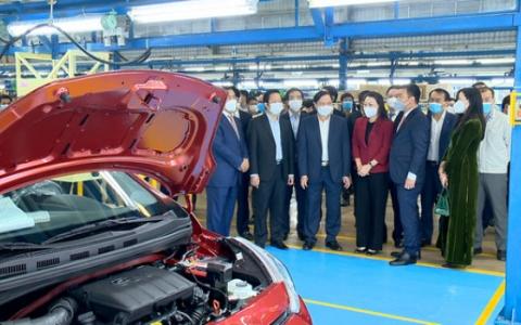 Đoàn công tác của tỉnh kiểm tra sản xuất đầu năm tại Nhà máy sản xuất ô tô Hyundai Thành Công