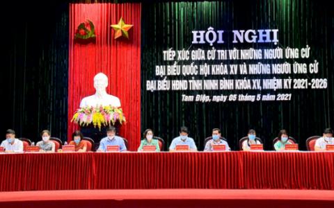 Các ứng cử viên đại biểu Quốc hội, đại biểu HĐND tỉnh vận động bầu cử