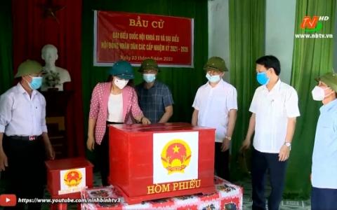 Các đồng chí lãnh đạo tỉnh kiểm tra công tác chuẩn bị bầu cử ĐBQH và đại biểu HĐND các cấp