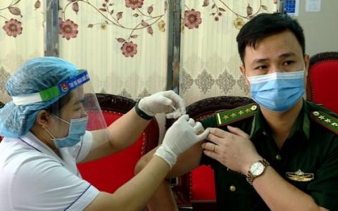 Ninh Bình: Trên 5.000 người đã được tiêm vaccine ngừa Covid-19