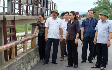 Đoàn công tác của tỉnh làm việc tại huyện Gia Viễn