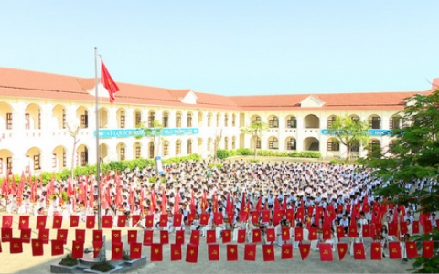 Ninh Bình tưng bừng khai giảng năm học mới 2020 - 2021