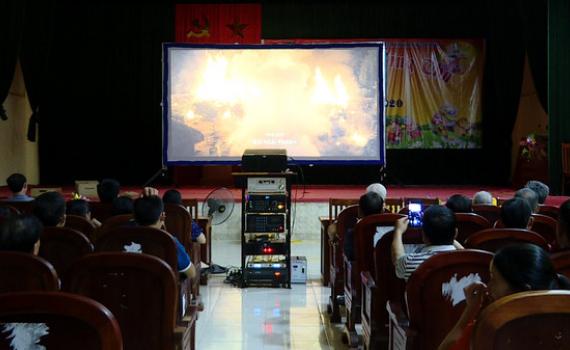 Chiếu phim lưu động chào mừng Đại hội Đảng bộ tỉnh lần thứ XXII