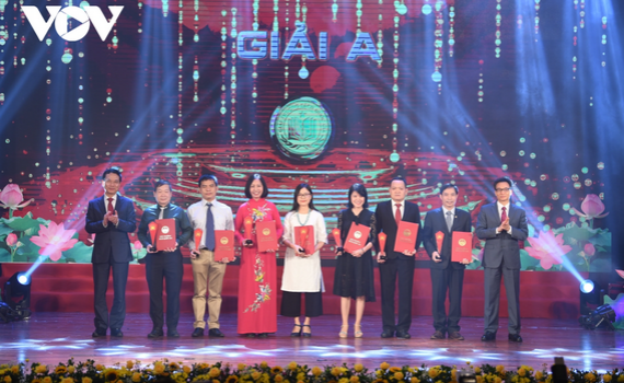 """""""Đoàn binh Tây Tiến"""" của nhà thơ Quang Dũng đạt giải A giải thưởng Sách Quốc gia 2020."""