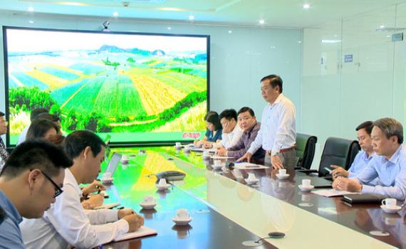 Đồng chí Nguyễn Ngọc Thạch kiểm tra sản xuất, giải ngân vốn đầu tư công tại Tam Điệp