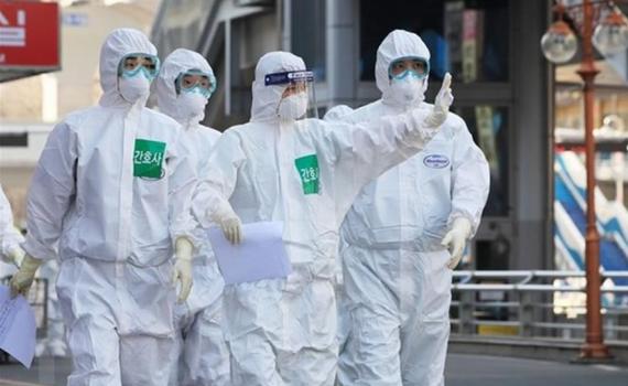 Hơn 43,7 triệu ca mắc Covid-19 trên toàn cầu, châu Âu siết chặt các hạn chế chống dịch