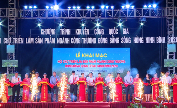 Khai mạc Hội chợ triển lãm sản phẩm ngành Công Thương đồng bằng sông Hồng - Ninh Bình 2020