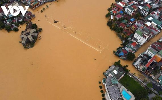 Lũ lụt tại miền Trung: Hoa Kỳ cam kết hỗ trợ Việt Nam trong công việc tái thiết