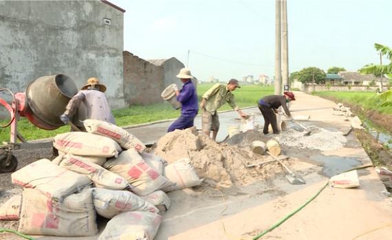 Ninh Bình: 9 tháng cấp trên 11.000 tấn xi măng làm đường giao thông nông thôn mới