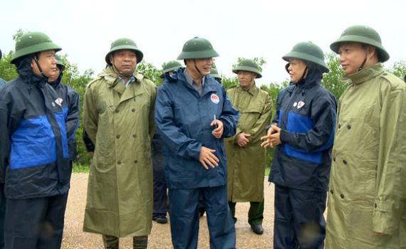 Phó trưởng Ban Chỉ đạo TW về phòng chống thiên tai kiểm tra công tác ứng phó bão số 7 tại Ninh Bình