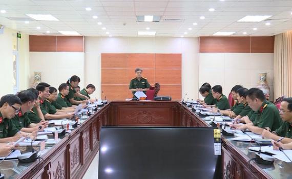 Quân khu 3 kiểm tra tại Bộ CHQS tỉnh
