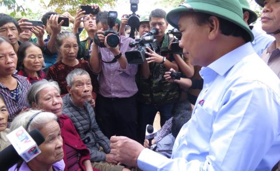 Thủ tướng yêu cầu phải hỗ trợ nhân dân miền Trung ruột thịt với trách nhiệm cao nhất