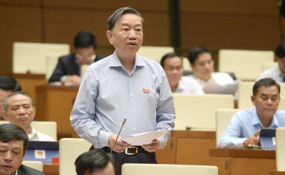 """Bộ trưởng Tô Lâm: """"Cần xử lý hình sự công chức sử dụng bằng, chứng chỉ giả"""""""