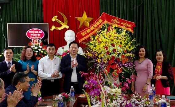 Đồng chí Tống Quang Thìn thăm, chúc mừng nhân ngày Nhà giáo Việt Nam