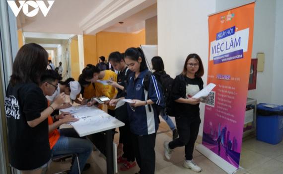 Hàng ngàn cơ hội việc làm ngành CNTT cho sinh viên mới ra trường