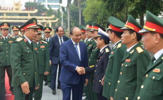 Thủ tướng Nguyễn Xuân Phúc làm việc với Học viện Quốc phòng