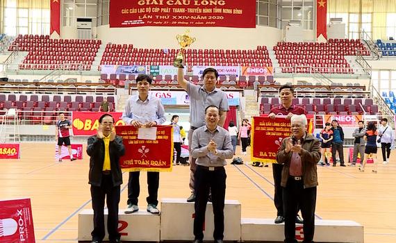 TP Ninh Bình nhất toàn đoàn Giải cầu lông Cúp PT-TH