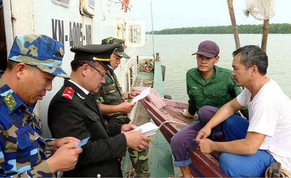 Tuần tra, kiểm soát các tàu cá hoạt động trên vùng biển Ninh Bình