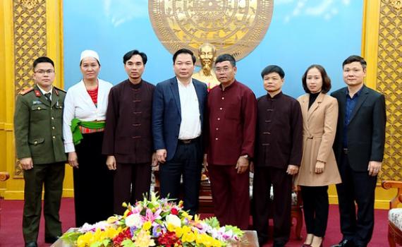 Gặp mặt Đoàn đại biểu dự Đại hội đại biểu toàn quốc các dân tộc thiểu số