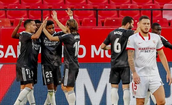 Real may mắn thắng Sevilla, Barca gục ngã trước Cadiz