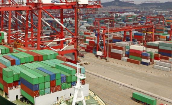 Tìm giải pháp cho thương mại và đầu tư trong bối cảnh biến động toàn cầu