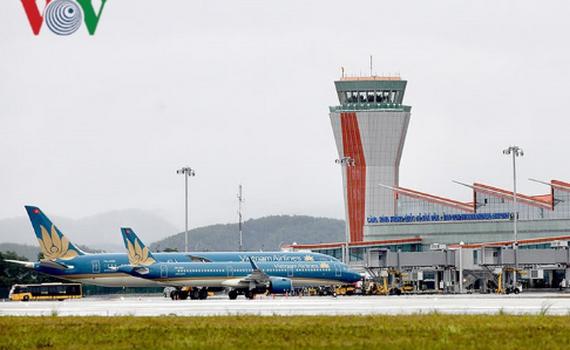 """Bộ Tư pháp """"tuýt còi"""" Bộ GTVT về chủ trương xã hội hóa đầu tư sân bay"""