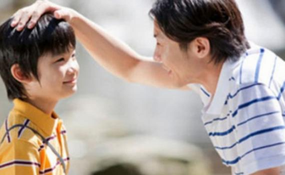 6 câu nói độc hại mà cha mẹ nên ngừng nói với bé trai