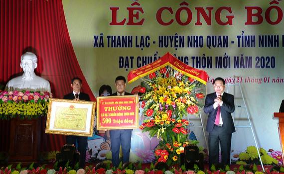 Thanh Lạc đón Bằng công nhận xã đạt chuẩn nông thôn mới