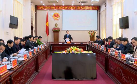 UBND tỉnh họp phiên thường kỳ tháng 1