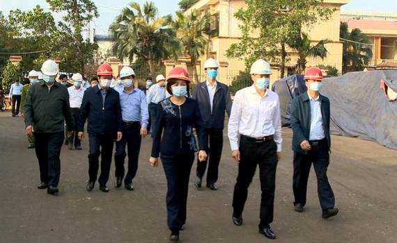 Đồng chí Bí thư Tỉnh ủy kiểm tra sản xuất, phòng chống lụt bão và dịch bệnh Covid-19 tại Yên Khánh, Yên Mô