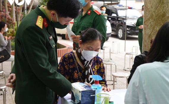 35 người tham gia thử nghiệm vaccine COVID-19 giai đoạn 2 tại Hà Nội