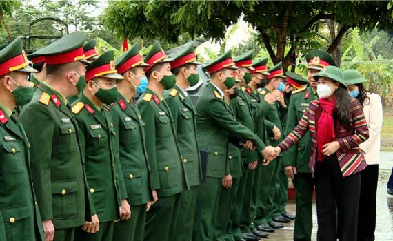 Các đồng chí lãnh đạo tỉnh thăm, chúc tết các đơn vị làm nhiệm vụ trực tết