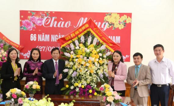 Đồng chí Bí thư Tỉnh ủy thăm, chúc mừng nhân ngày Thầy thuốc Việt Nam
