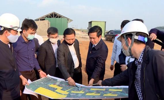 Đồng chí Chủ tịch UBND tỉnh kiểm tra công tác GPMB dự án đường cao tốc Bắc - Nam