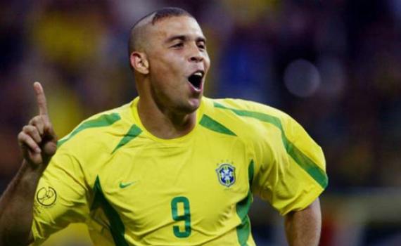 """Ibrahimovic: """"Ronaldo là cầu thủ xuất sắc nhất hành tinh"""""""