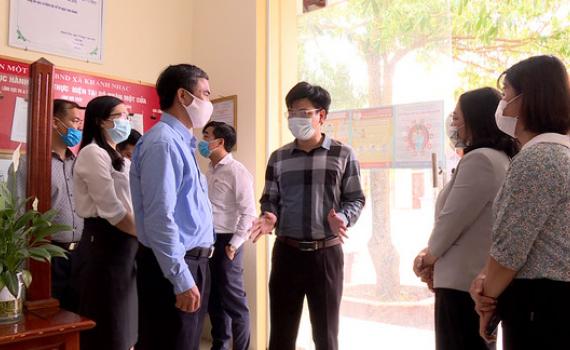 Kiểm tra hoạt động của bộ phận một cửa tại Yên Khánh và Yên Mô