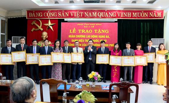 Lễ trao tặng các danh hiệu cao quý nhân ngày Thầy thuốc Việt Nam