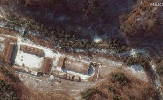 Ảnh vệ tinh tiết lộ Triều Tiên che đậy đường hầm tới nơi cất giữ vũ khí hạt nhân