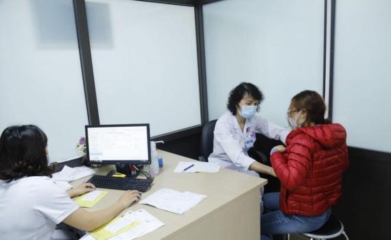 Bệnh nhân ung thư có nên tiêm phòng vaccine COVID-19?