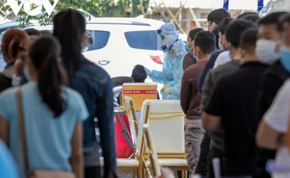 Campuchia lập kỷ lục ca mắc Covid-19 mới, Lào hạn chế hoạt động dịp Tết cổ truyền