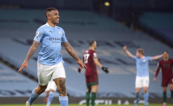 Hủy diệt Wolves sau 13 phút, Man City tiến sát kỷ lục khủng