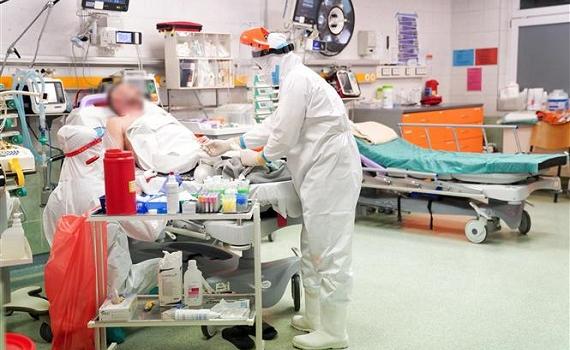 Thế giới xấp xỉ 2,7 triệu ca tử vong vì Covid-19; WHO khuyến nghị dùng vaccine AstraZeneca