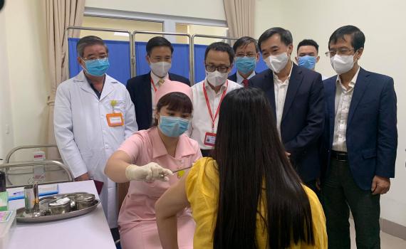 Việt Nam chính thức tiêm thử nghiệm vaccine COVID-19 thứ 2