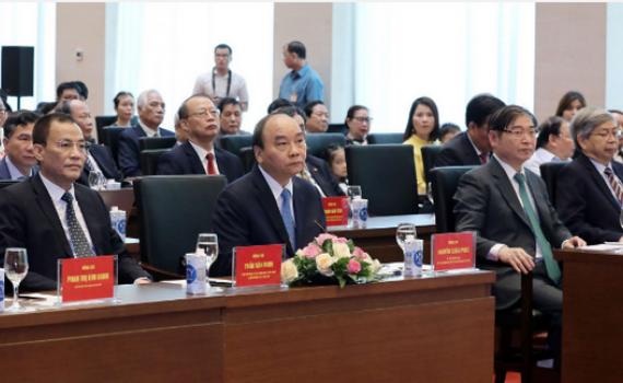 Chủ tịch Nước Nguyễn Xuân Phúc trao tặng danh hiệu cao quý cho các nhà khoa học xuất sắc