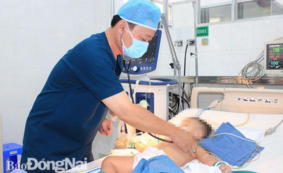 Dấu hiệu bệnh tay chân miệng chuyển nặng