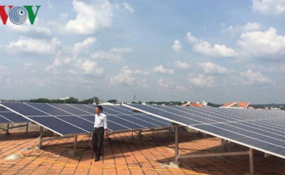 EVN thanh toán tiền mua điện mặt trời áp mái từ 1/7/2019