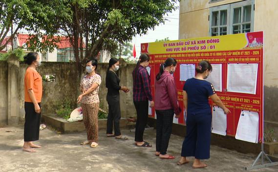 Cử tri vùng ven biển Kim Sơn hướng về ngày bầu cử